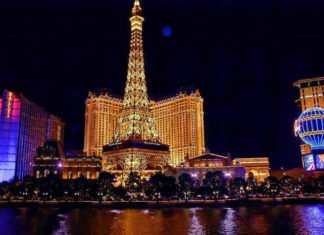 Cheap nonstop roundtrip flight from Dallas to Las Vegas $82.40