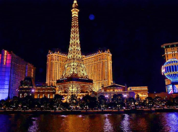 Cheap nonstop roundtrip flight from Dallas to Las Vegas $82.40