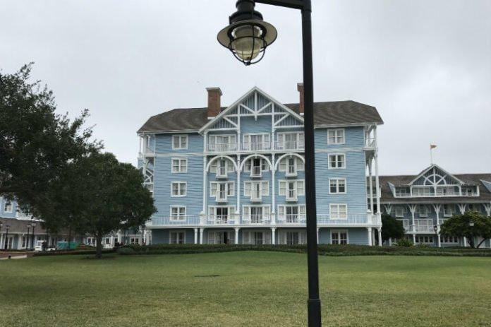 Charlotte to Orlando flight & hotel packages DIsney Word Universal SeaWorld Lake Buena Vista Maingate