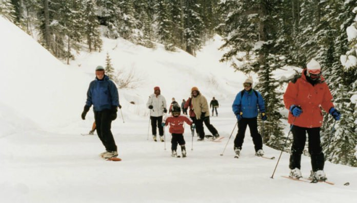 Banff Alberta hotel deals save up to 40% on ski vacation