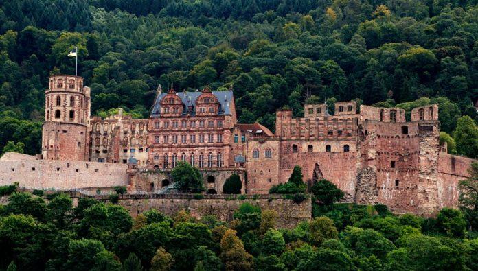 Discounted Europe tour see Germany Heidelberg Castle Geneva & Lucerne in Switzerland DIsneyland Paris