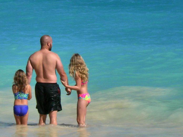 Win roundtrip airfare to Hawaii & stay at Disney's Aulani resort & spa