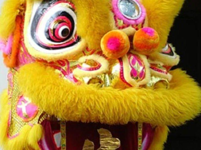 6 reasons to visit Chinese New Year at Hong Kong Disneyland