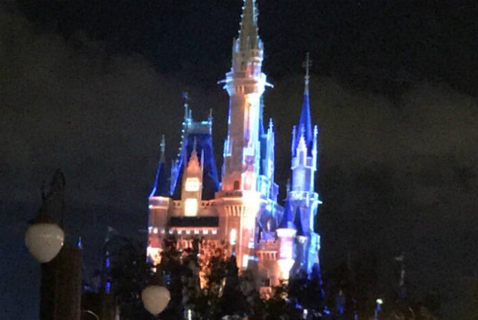Disney World sweepstakes win park hopper tickets character dining