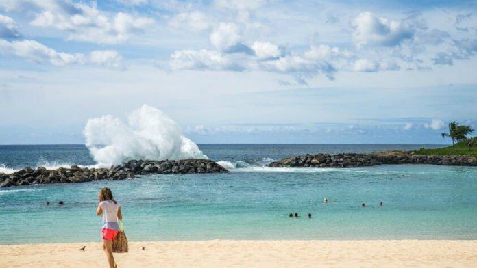 Oahu Hawaii hotel deals Sheraton Courtyard Aqua Wyndham