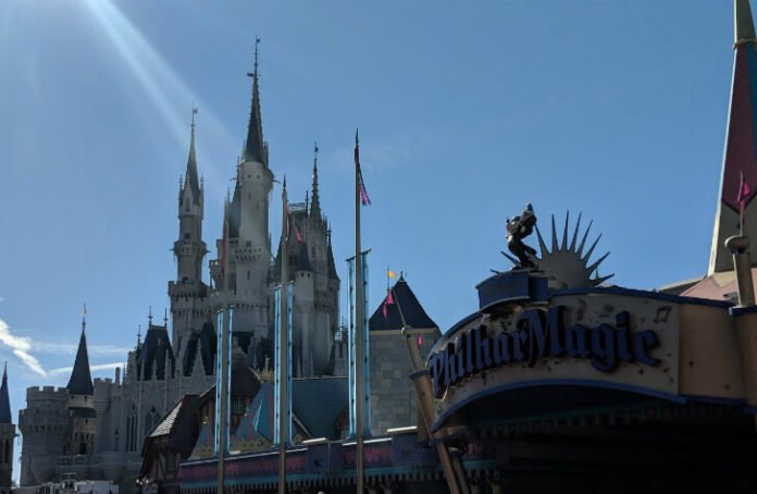 Cheap flight from Salt Lake City to Orlando enjoy Disney World SeaWorld Universal Studios