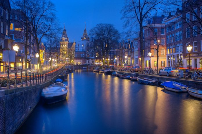 Save 10% on 2-hour evening canal tour in Amsterdam Netherlands