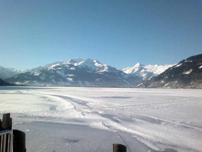 Last minute ski holiday flight from Birmingham England & hotel stay in Austria & Italy