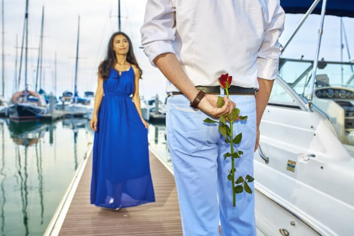 Save 40% on romantic sunset sail in San Diego California