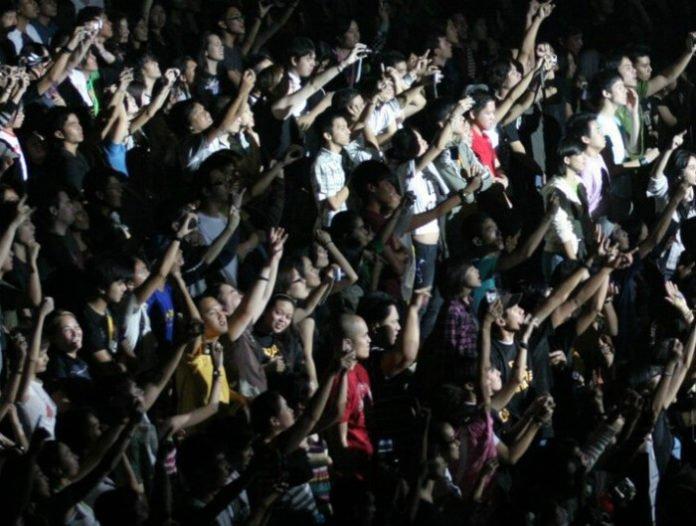 Save money on Johnny Mathis concert tickets Phoenix Arizona