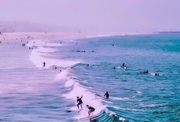 Learn to surf at Los Angeles beaches Venice Hermosa Redondo Manhattan Malibu Santa Monica