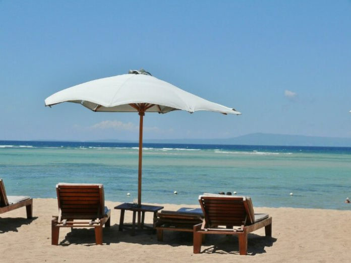 Hotel package deals in Lombok Bali Indonesia save on beach holiday