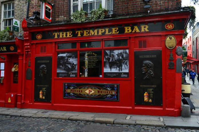 Dublin Ireland hotel deals save up to 20% on hotels near Temple Bar, airport, Cardiff Lane