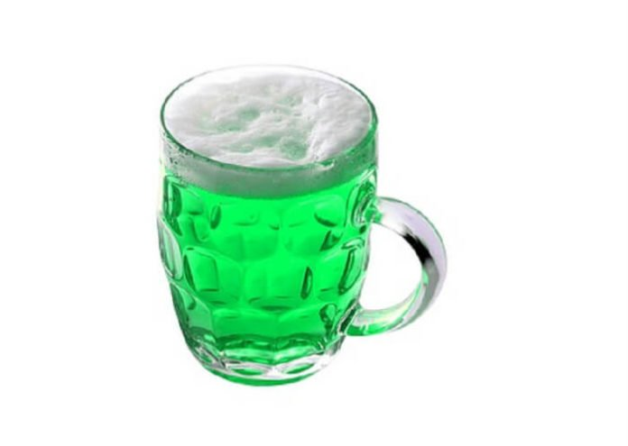 St. Paddy's Day Pub Crawl New York City enjoy drink specials in Manhattan