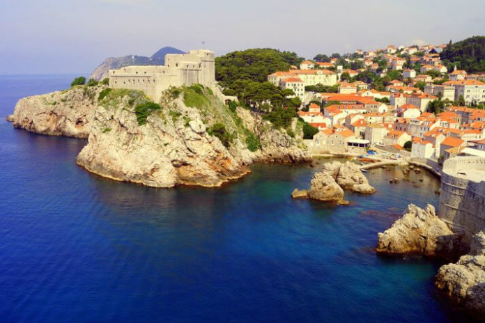 Discounted Croatia sailing tour see Omis Makarska Dubrovnik Hvar