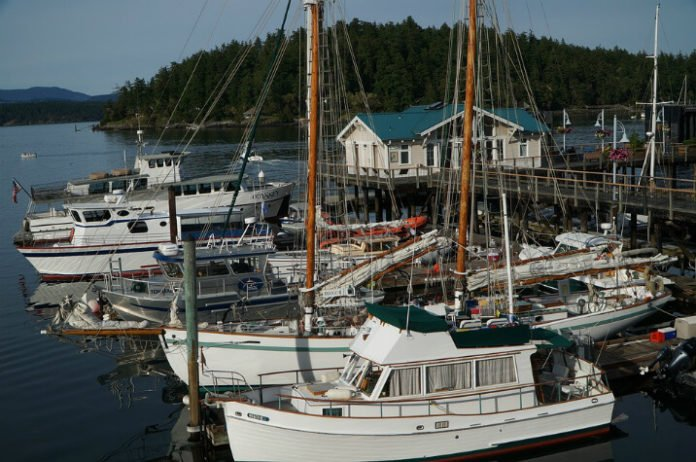 Top Friday Harbor washington hotels san Juan Islands take ferry from Seattle Belllingham