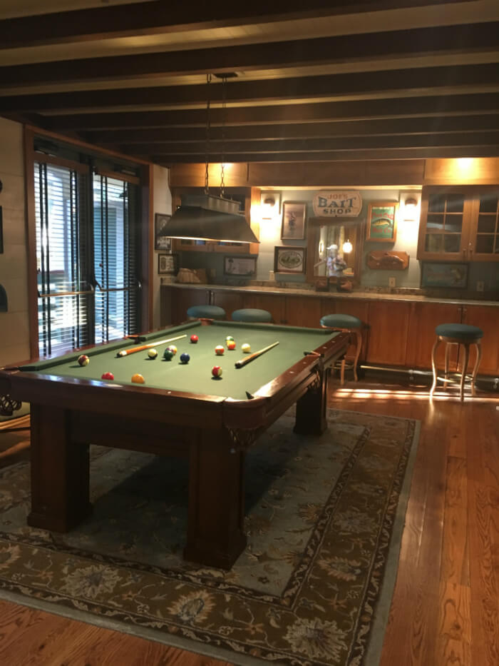 pool table, rug inside Disney's Hilton Head Island Resort