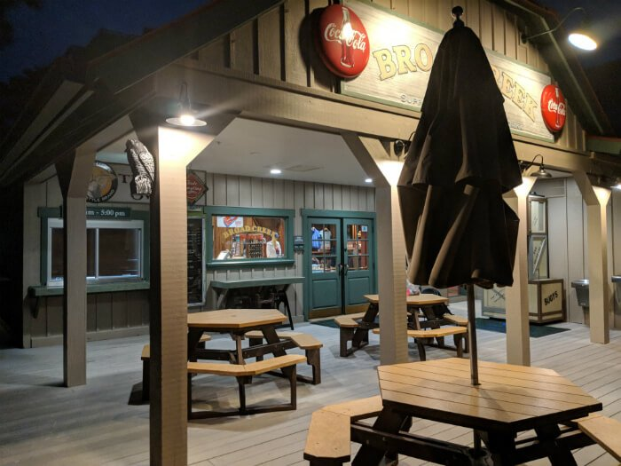 picnic tables for Tide Me Over restaurant at Disney's Hilton Head hotel
