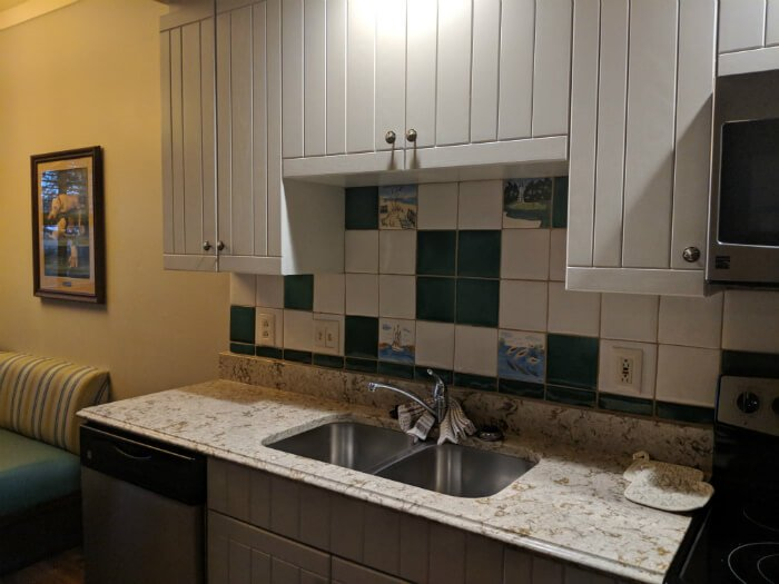 disney hilton head one bedroom villa kitchen sink, counter hotel room
