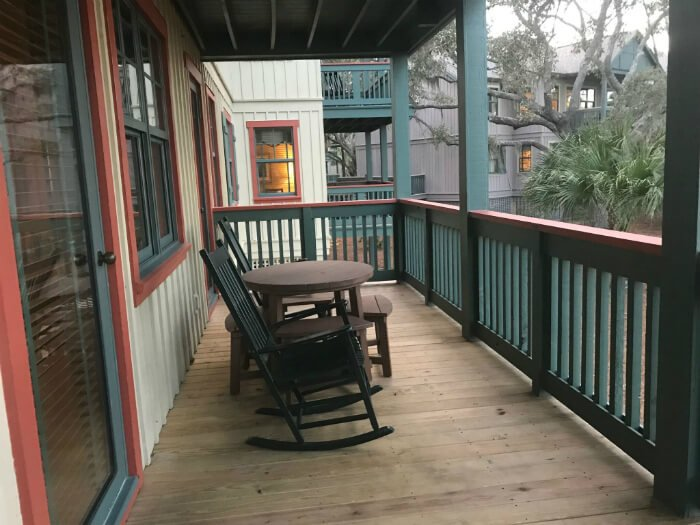 disney hilton head 1 bedroom villa porch rocking chairs table dvc resort