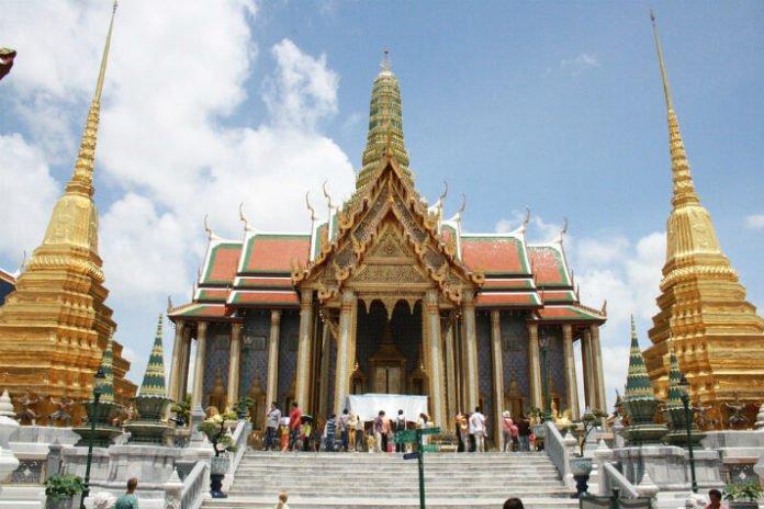 4&5 star hotels in Bangkok Thailand under $100 Radisson Novotel Pullman Montien