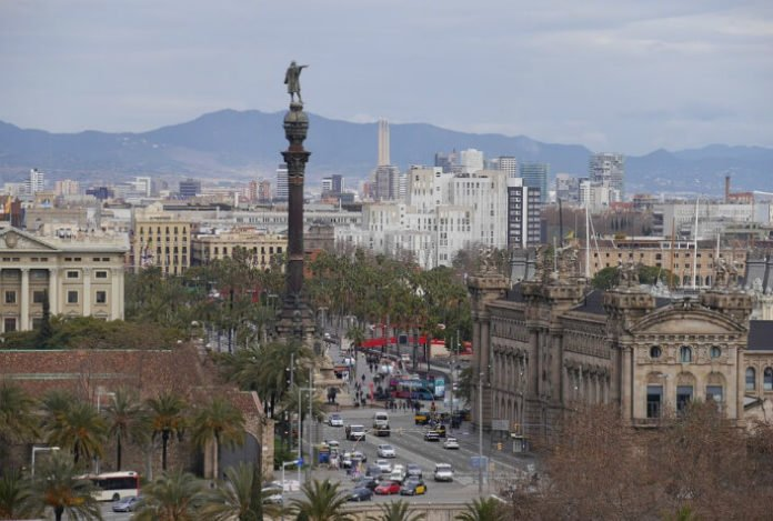 Save money on Barcelona Spain hotels discounted prices for European trip