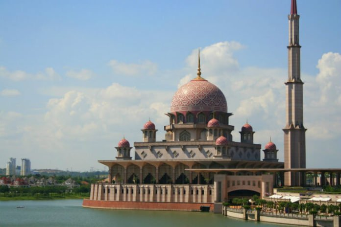Flash sale on flights cheap airfare from Manchester to Kuala Lumpur Abu Dhabi Dubai Singapore Bangkok Melbourne