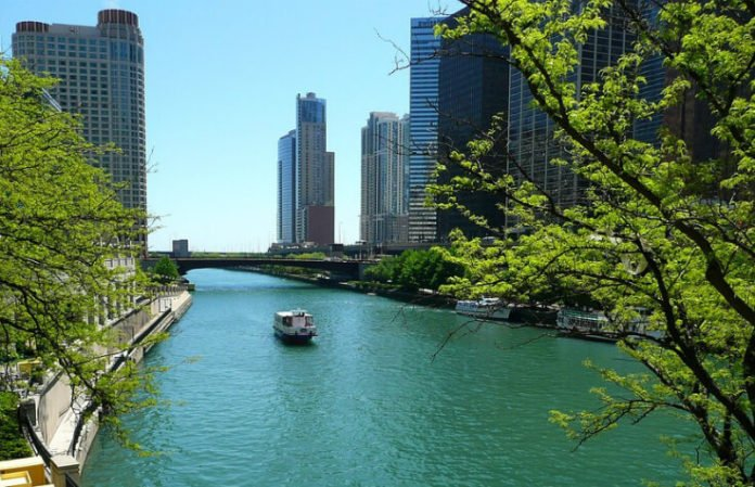 Chicago Cinco de Mayo Booze Cruise luxury party yacht discount price