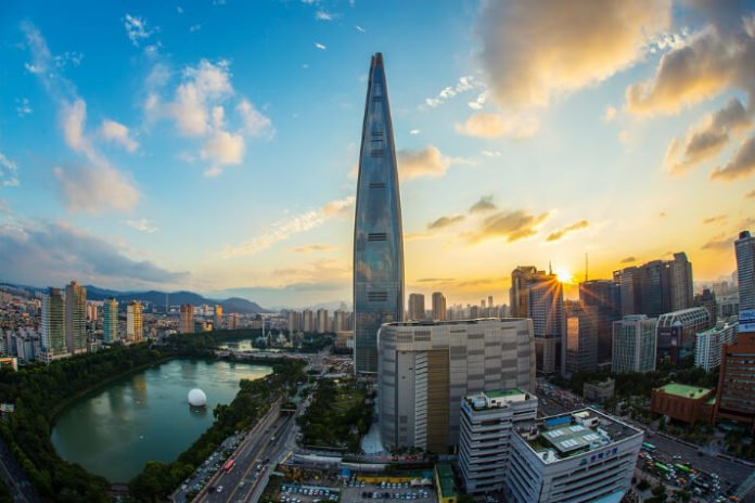 Save 15% at luxury hotel in Lotte World Tower Seoul South Korea