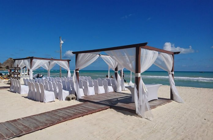 Best luxury resorts for wedding ceremony in Cancun Mexico Hyatt Krystal Westin LeBlanc