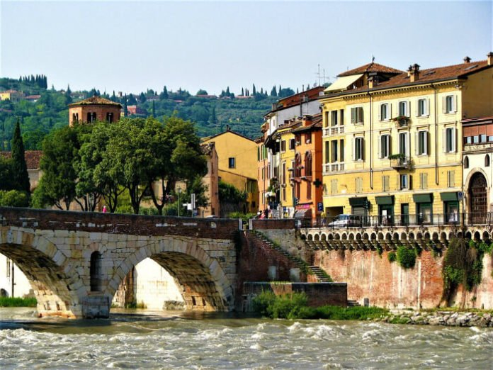 Top 8 Verona Italy hotel deals B&B Apartments savings