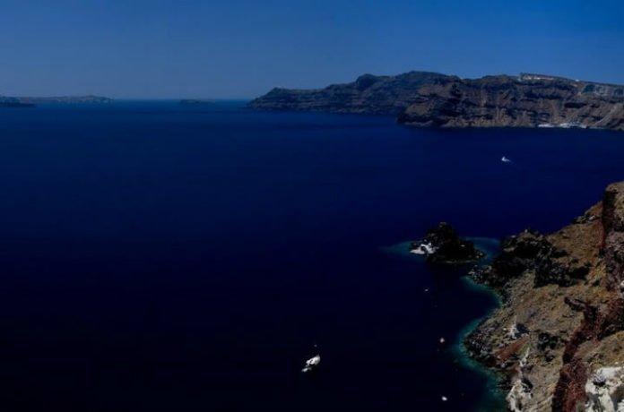 Save money on Santorini Greece hotel stay luxury hotel