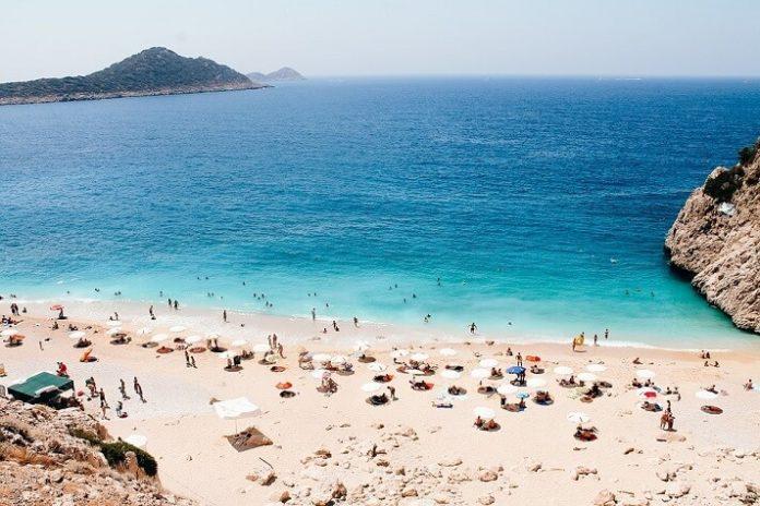 Antalya Turkey luxury hotel deals save money when travelling to Turkish Riviera beaches