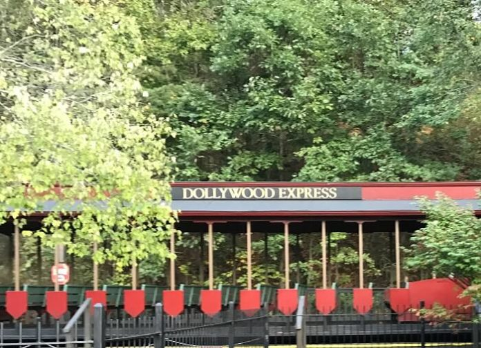 5 reasons to visit Dollywood in Pigeon Forge Tennessee this summer