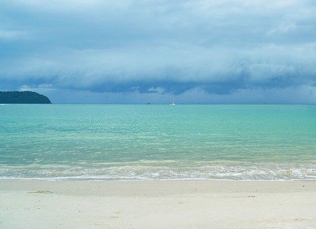 Ko Lipe Thailand luxury resorts enjoy beaches snorkeling sightseeing nightlife