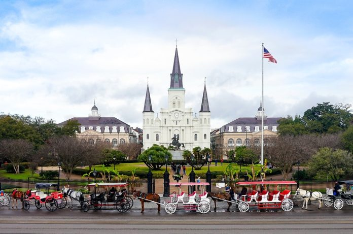 Save money on 4-star hotels in New Orleans Louisiana near French Quarter, Bourbon, Canal Street
