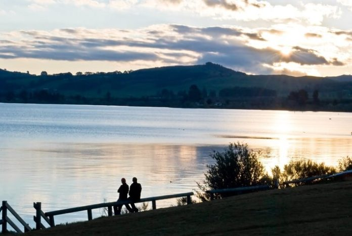 Discounted price for New Zealand self-drive tour 15% off flash sale