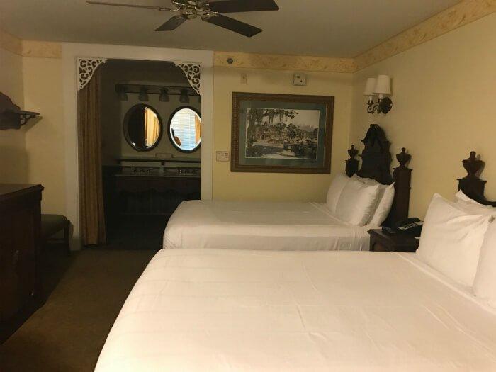 Port Orleans French Quarter hotel room beds