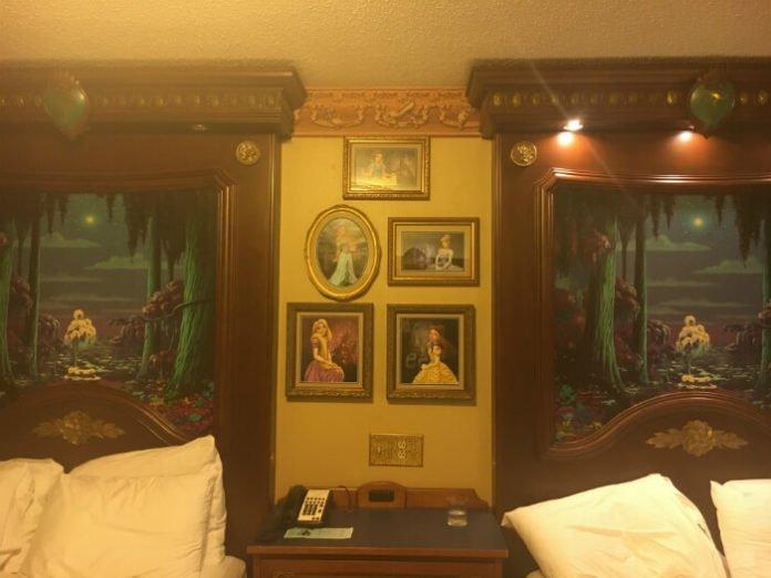 Port Orleans Riverside Royal hotel Room beds princess pictures