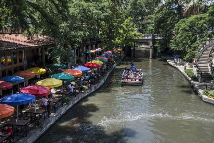 San Antonio Texas luxury hotel deals save up to 25%