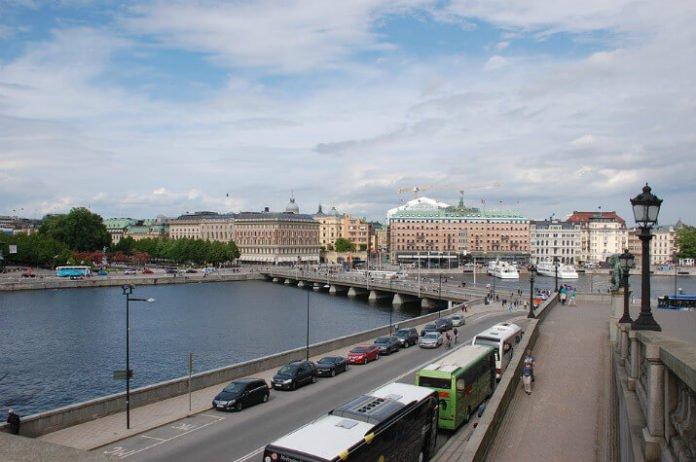 Sweden Hungary car rental deal free upgrade Hertz SIxt
