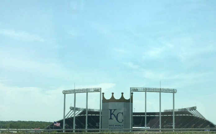 Save money at Kansas City Missouri hotel within walking distance of Royals & Chiefs stadiums