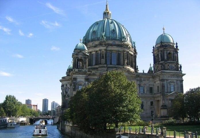Save up to 35% on 4&5 star Berlin Germany hotels