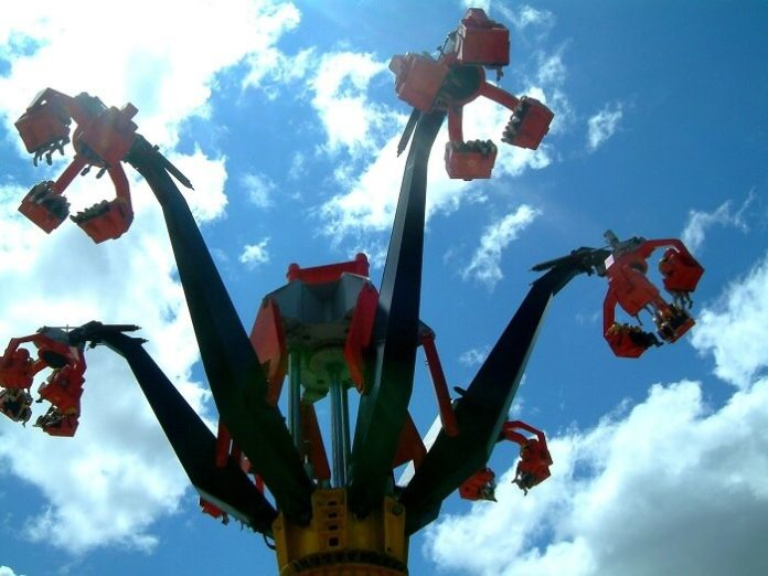 Canada's Wonderland theme park in Vaughan ON discount tickets saving reduced price