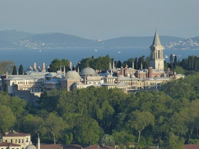 Save money on 4 & 5-star hotels in Istanbul Turkey