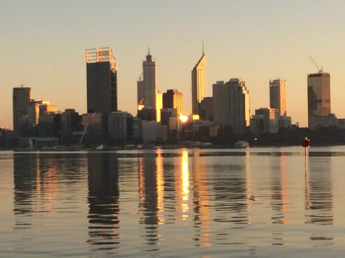 Perth Australia hotels up to 50% Discovery Park Batavia Quality Hotell
