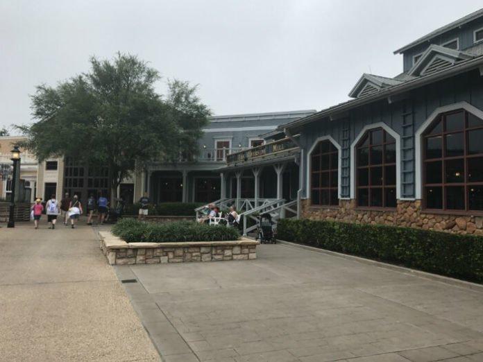 Riverside Mill Food Court Disney's Port Orleans Resort