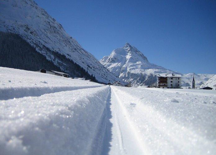 Save money on 2019 winter travel Galtür Austria BOGO Free Ski Lift Deal