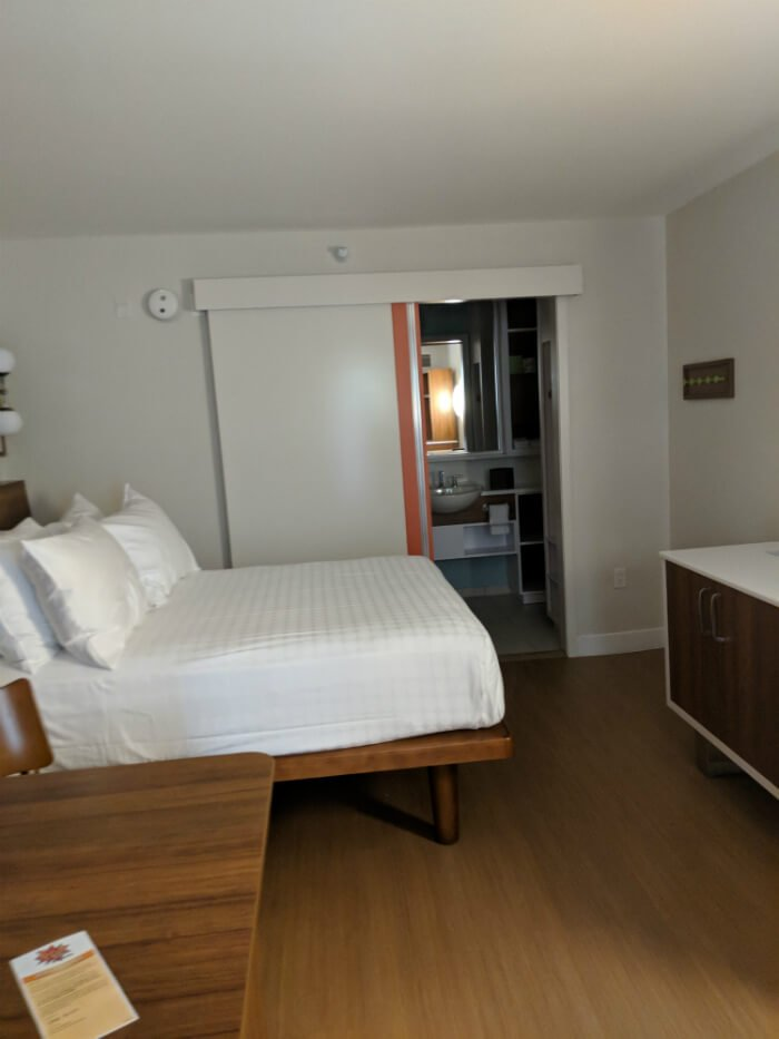 Pop Century hotel room at Disney World value resort