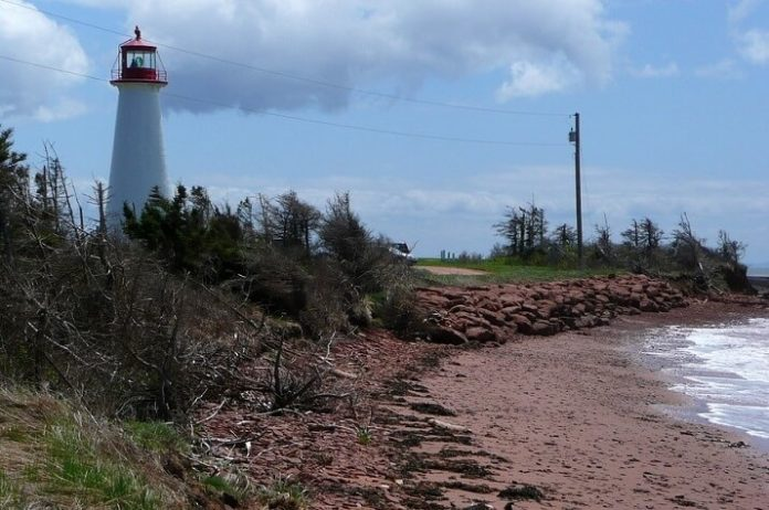 Discounted Prince Edward Island lighthouse & winery tour